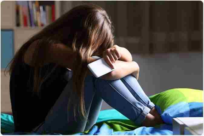 علائم و درمان افسردگی نوجوانان دختر و پسر جوان