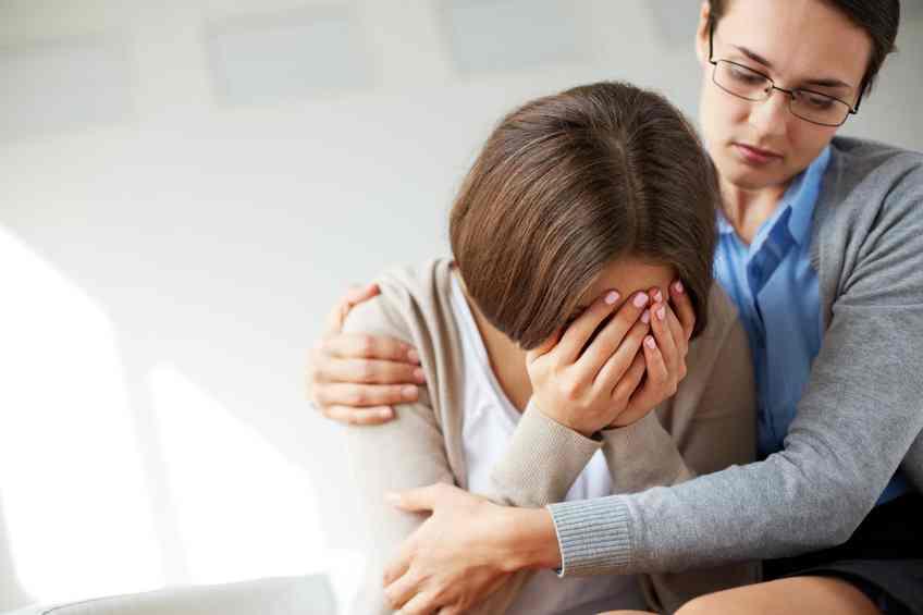 بایدها و نبایدهای ارتباط با فرد افسرده