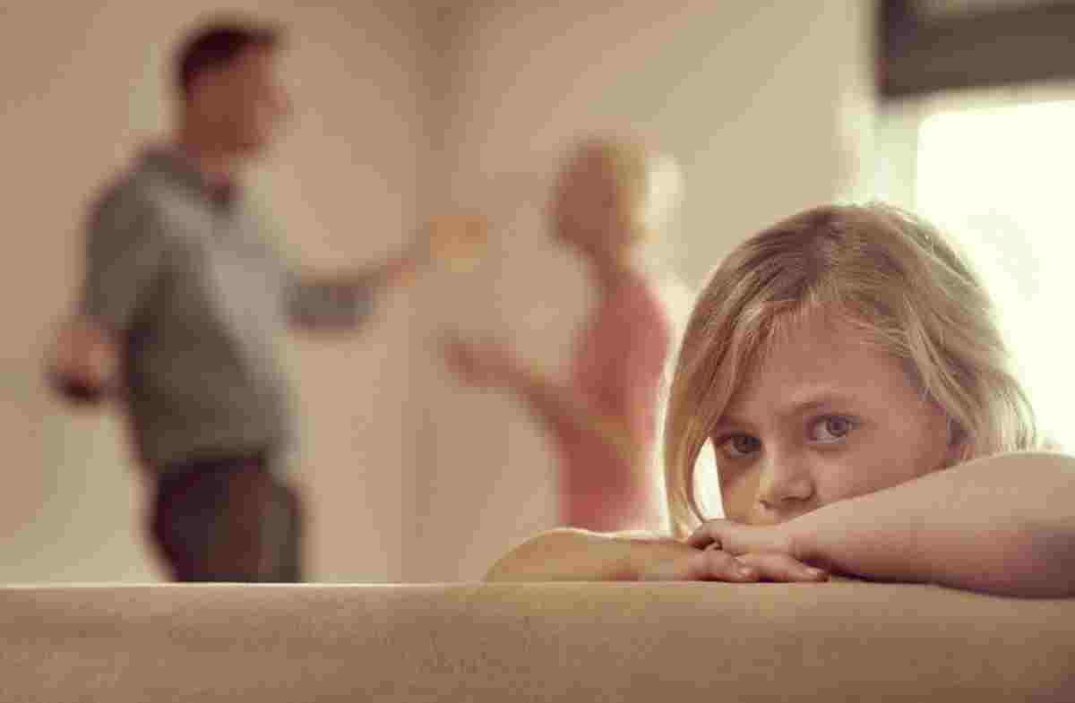 عوارض و اثرات طلاق بر کودکان در سنین مختلف