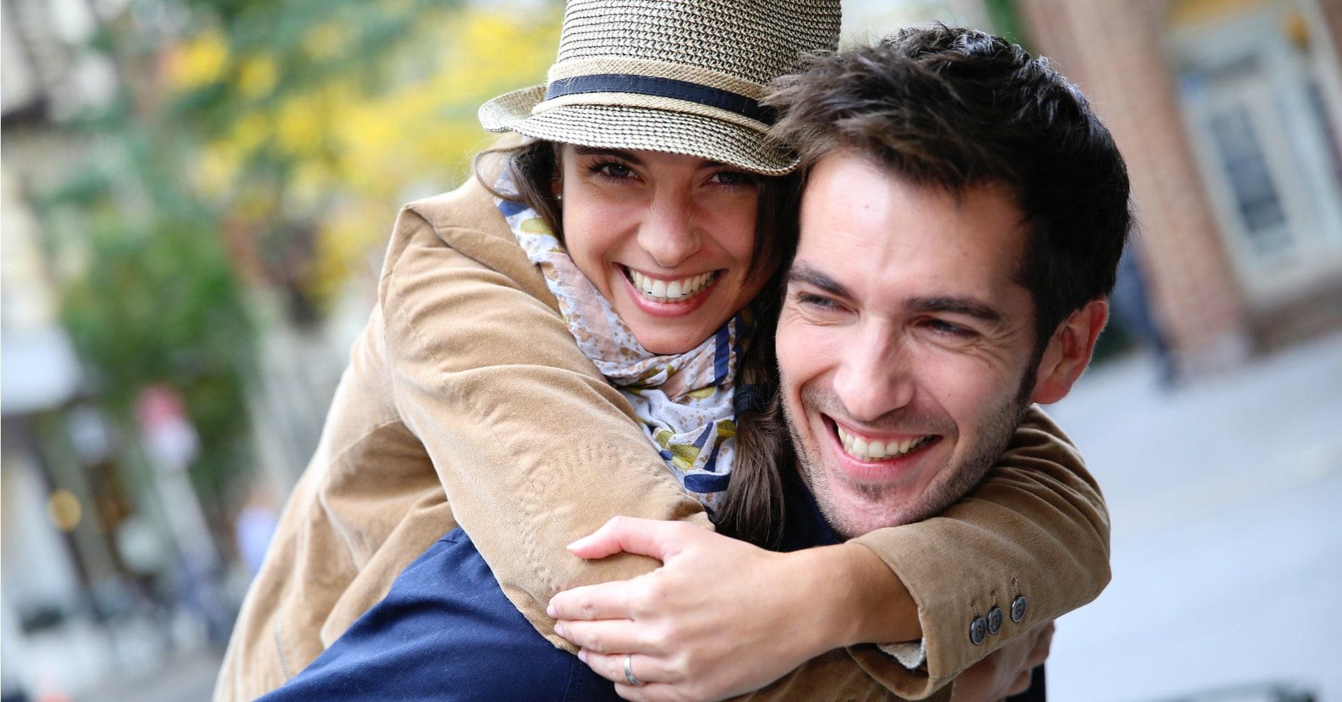 آیا با همسرمان دوست باشیم؟ چگونه همسر خوبی باشیم؟