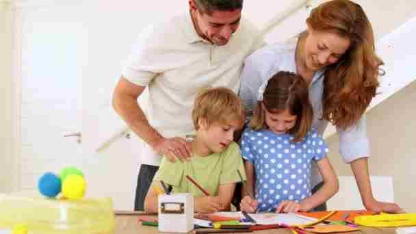 چرا باید کودکان را تشویق کرد؟