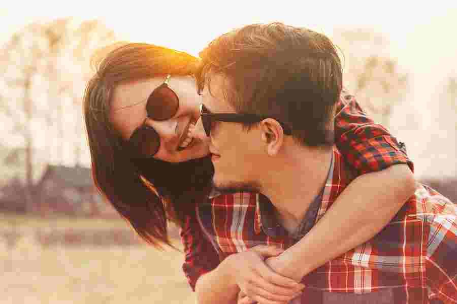 آیا همسر آینده شما وفادار است؟  سوالات وفاداری در جلسه خواستگاری