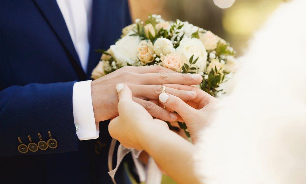 سوالات ازدواج با اختلاف سنی زیاد