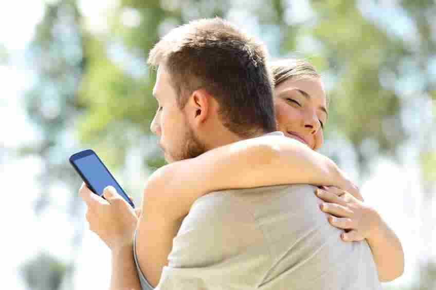 نشانه ها و دلایل خیانت به همسر، چرا همسرم به من خیانت کرد؟